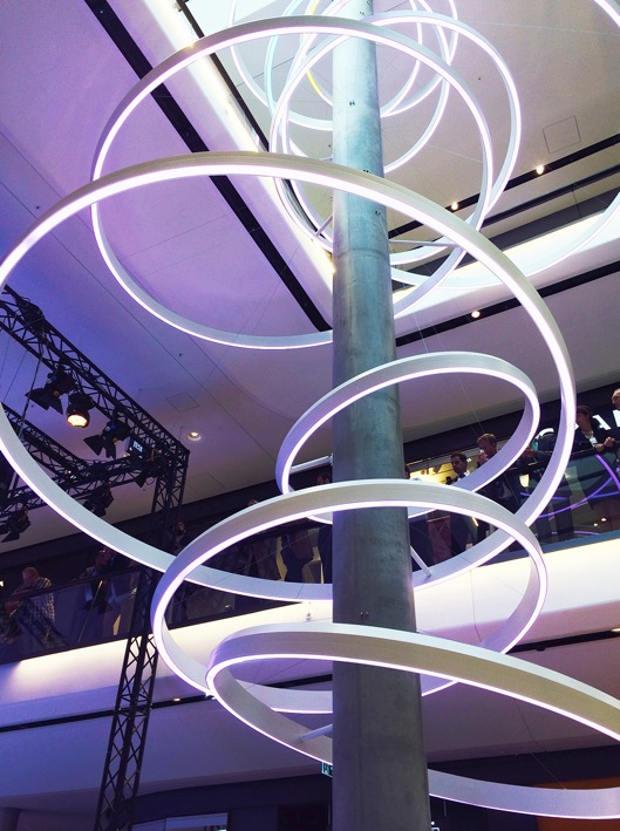 Situado en la ciudad de Stuttgart, Gerber es un espacio mixto con una alta concentración urbana. Recoge de forma hospitalaria las ventas al detalle que conviven en una superficie total de 25.000 metros cuadrados, una gran desafío para la ciudad, inversionistas, arquitectos y diseñadores.