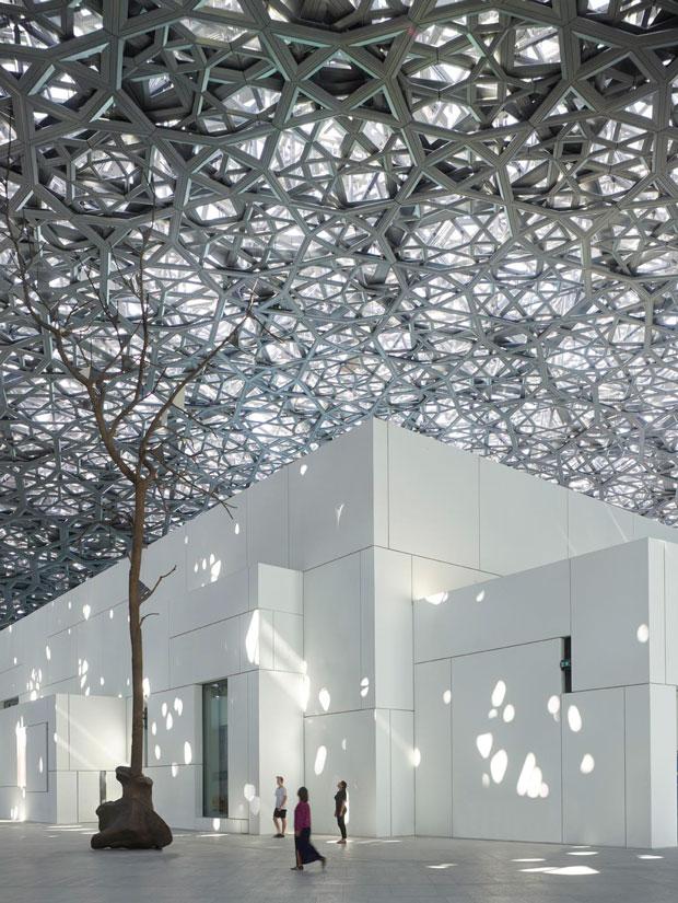 Louvre Abu Dhabi lluvia de estrellas