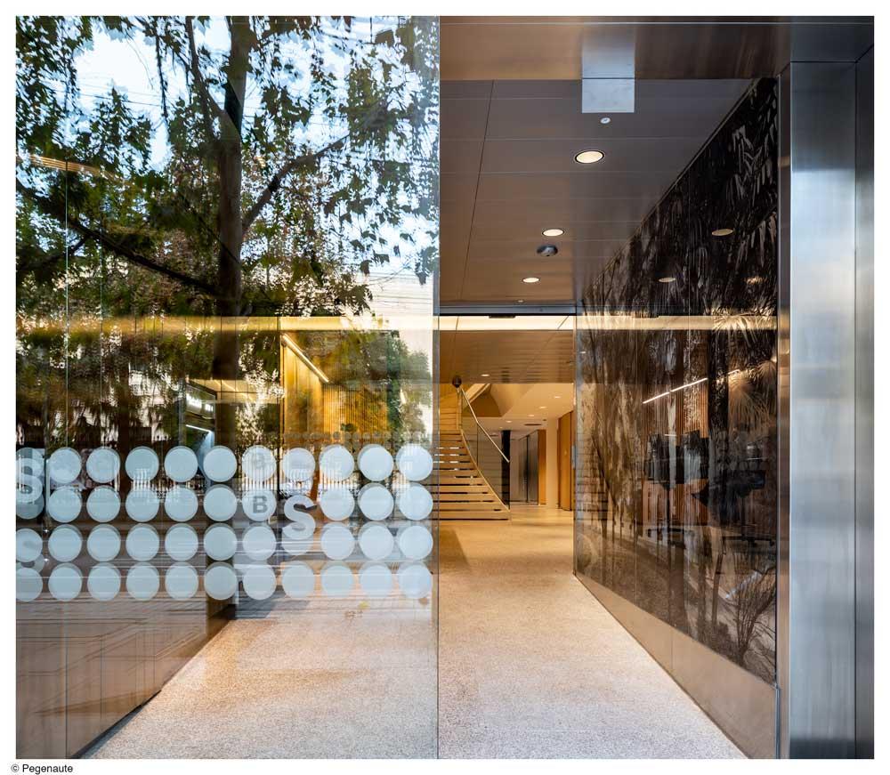 La Invisible iluminacion Banco Sabadell